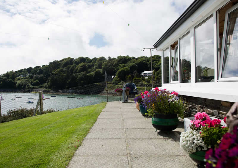 http://bayviewglandore.ie/bvh/wp-content/uploads/2017/01/bayview-glandore-view-from-patio.jpg